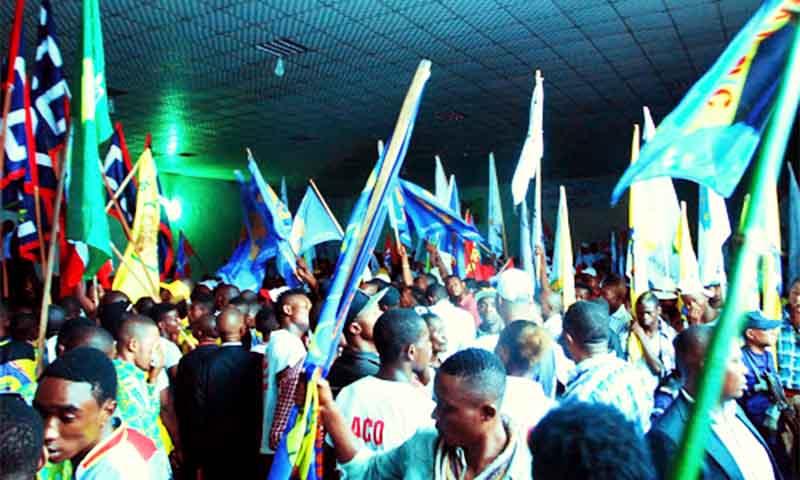 news- 0003 27 partis charteDSC 5956