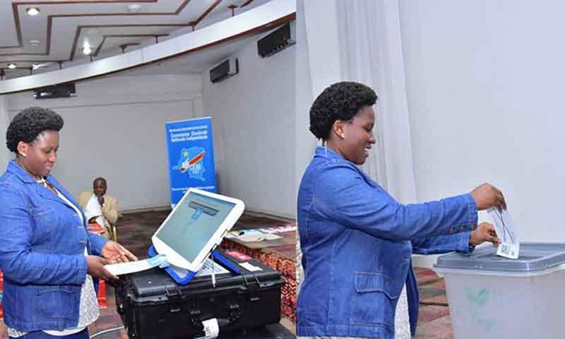news- 0026 machine a voter